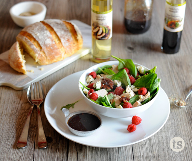 3 Ingredients: How to Make Your Own Salad Dressing | Tastefully Simple